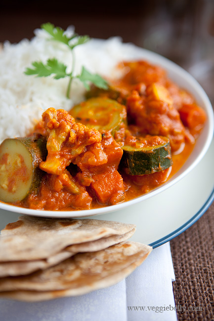 Easy Zucchini and Cauliflower Curry Recipe. Only 8 ingredients