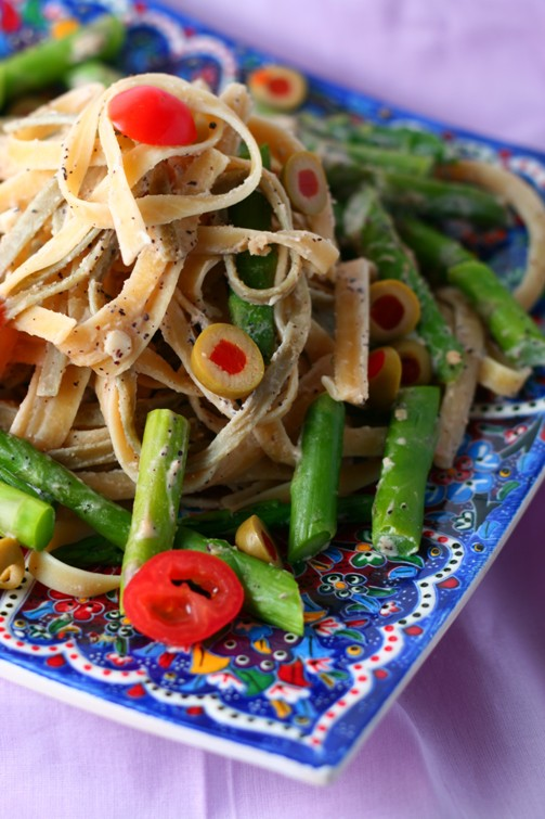 pasta with asparagus and tahini