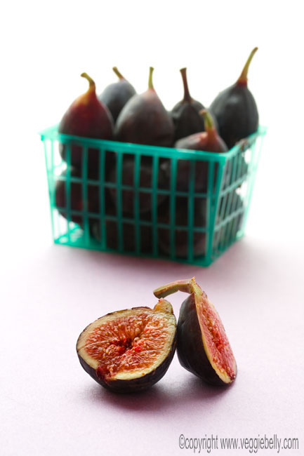 fresh black figs