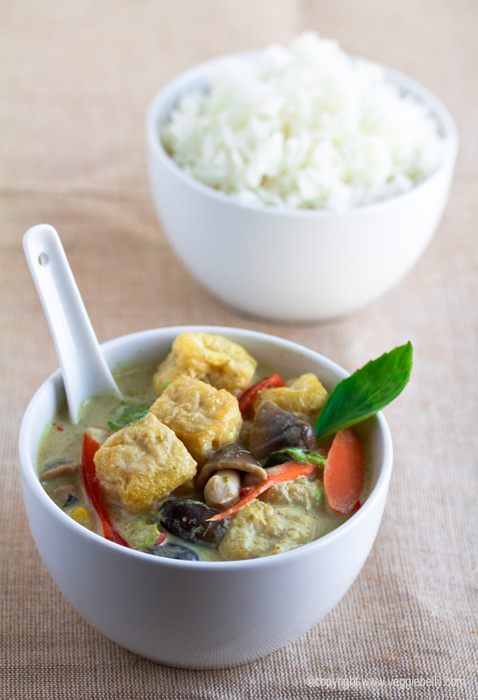 Easy Thai Green Curry (Gaeng Keow Wan)